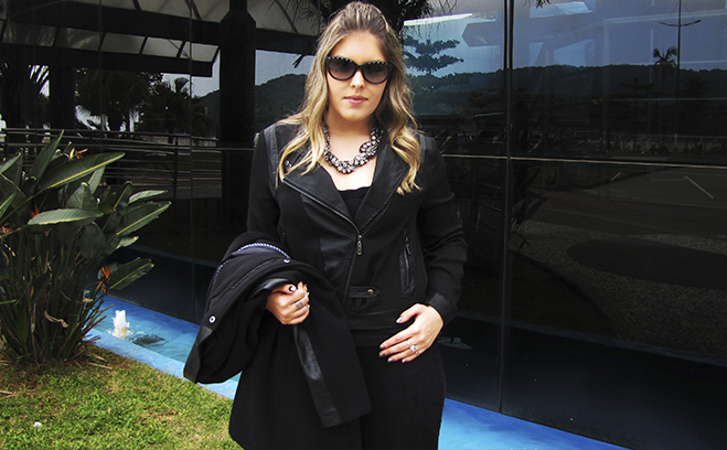 Look Emme: All Black com Sobretudo!