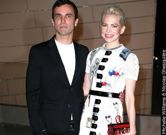Michelle Williams veste Estampa Artsy!