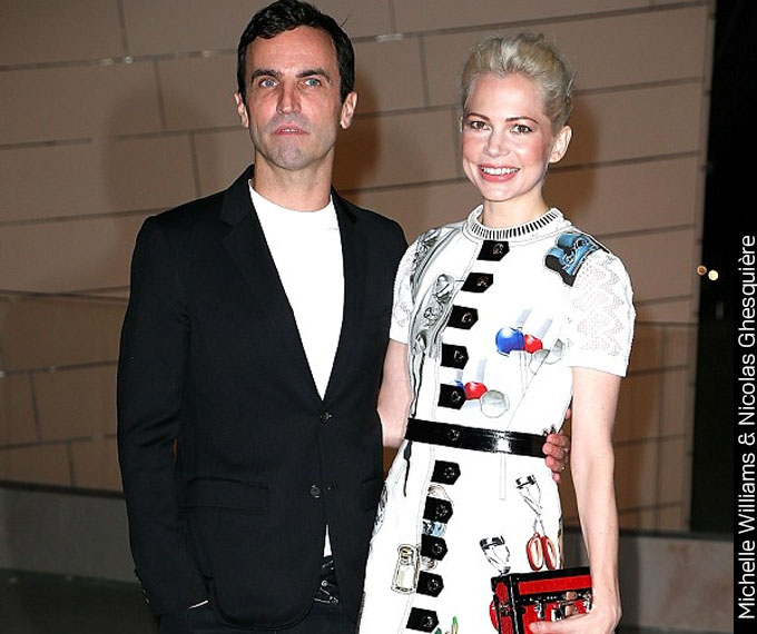 Michelle Williams Estampa Arsty Louis Vuitton3