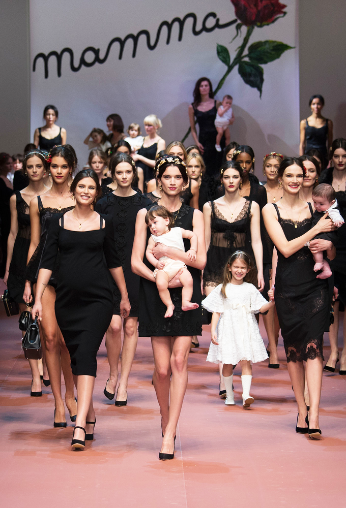 Milan Fashion Week Fall 2015 Desfile Dolce & Gabbana Mammas 4
