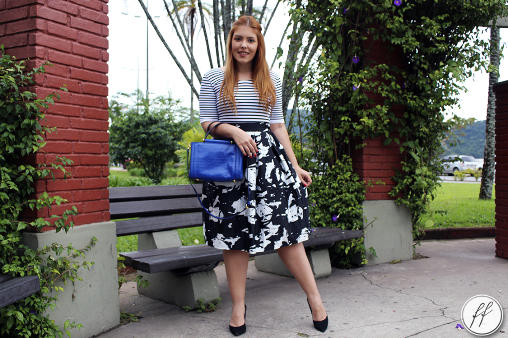 Look Mix de Estampas Bolsa Azul 3