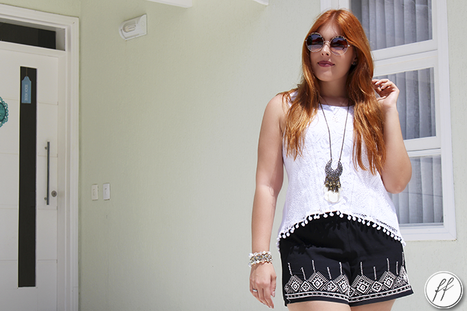 Look Short Bordado e Blusa de Pom Pom 4