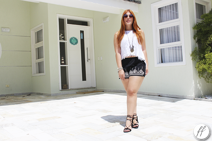 Look Short Bordado e Blusa de Pom Pom 5